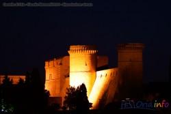 Panorama con il Castello visto di notte