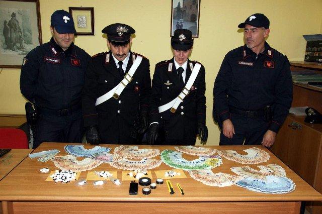 I Carabinieri della Stazione di Francavilla F. e del Nucleo Cinofili. Foto di repertorio