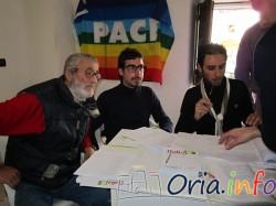 A destra Alessandro Perrucci, segratario del PD di Oria, impegnato durante le recenti  elezioni primarie.