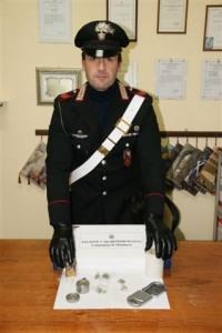 carabinieri materiale sequestrato