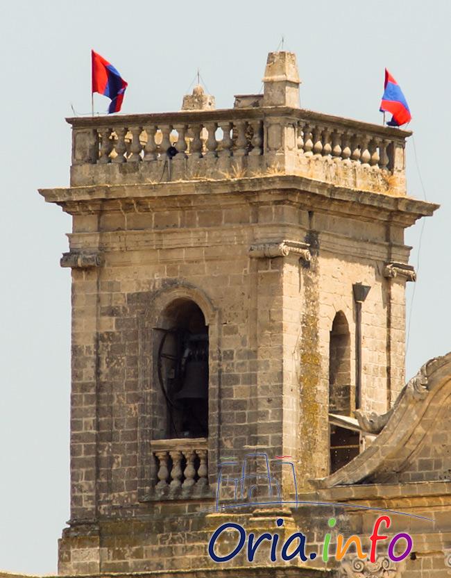 bandiere-cattedrale-dettaglio