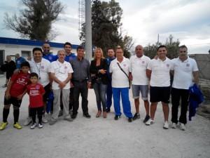 """I dirigenti della scuola calcio """"Mariano Carone"""" con Silvia Patruno"""