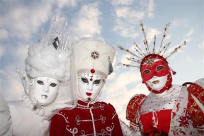 Maschere di Carnevale - Foto Roberto Vicario/Wikipedia