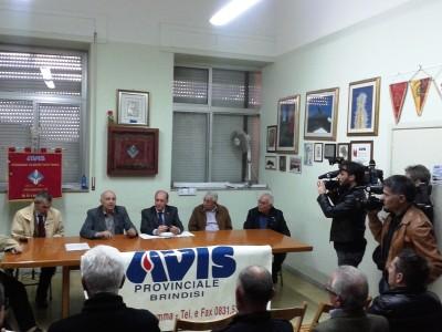 Un momento della conferenza stampa tenutasi il 28 aprile 2014 nella sede AVIS di Brindisi