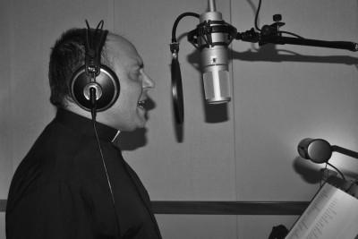 Don Nico Lopalco nello studio di registrazione