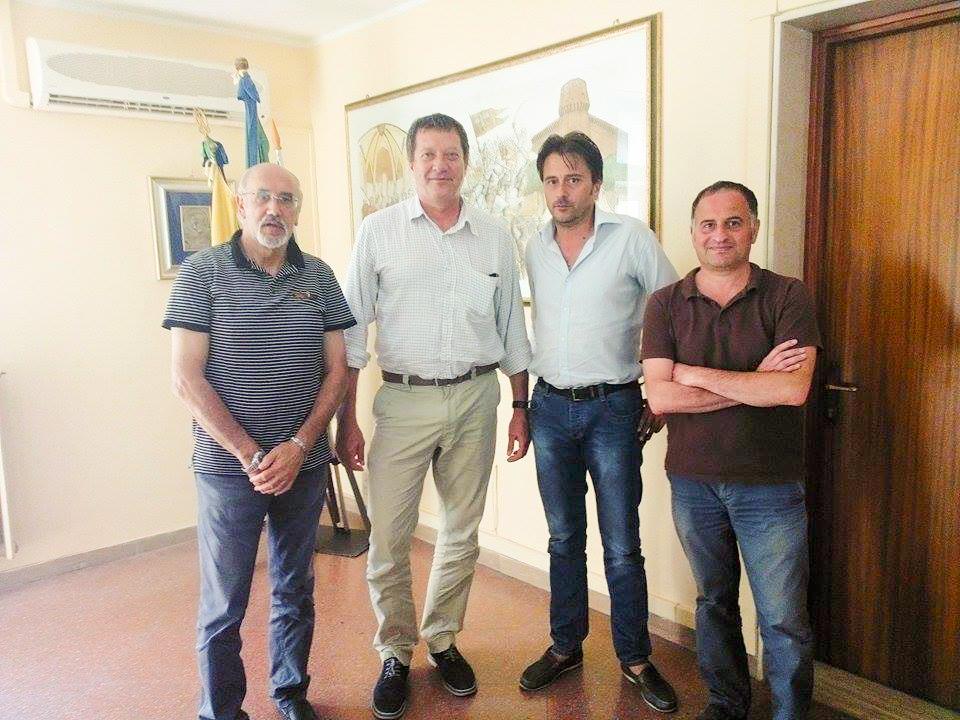 Da sinistra: il vice sindaco Egidio Conte, il prof. Scortichini, e gli assessori Peluso e Sammarco
