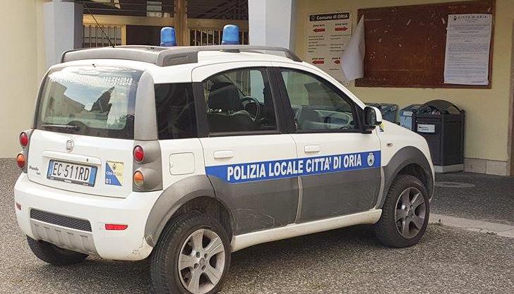 panda-polizia-municipale-vigili-oria