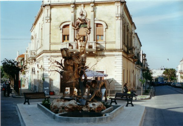 monumento-caporalato